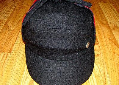 Kangol  Headwear  Classic  Flexfit  Varsity Check Trapper  Color  Black/Rojo