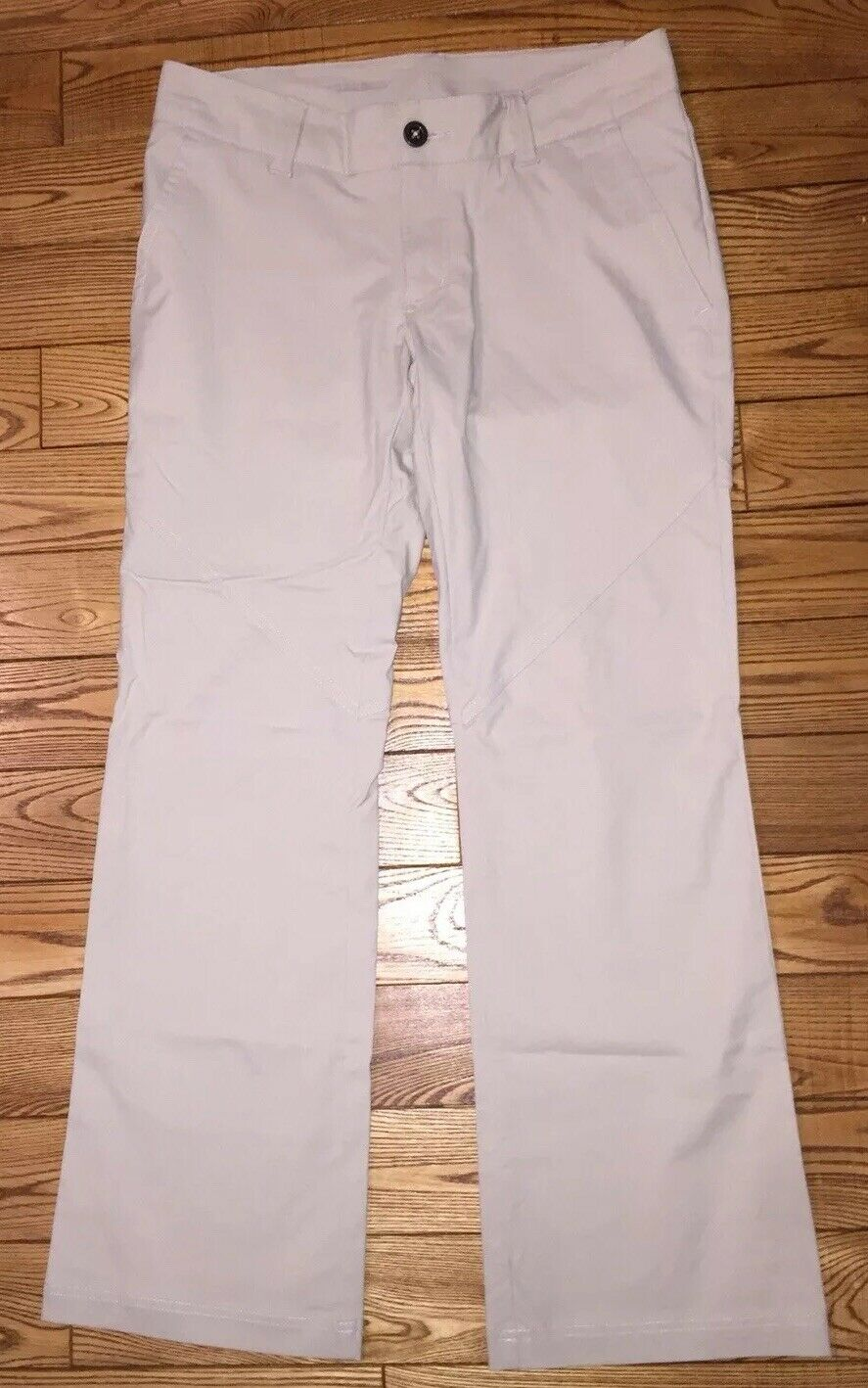 NWOT  COLUMBIA Womens Khaki Omni-Shield Pants  6 Short