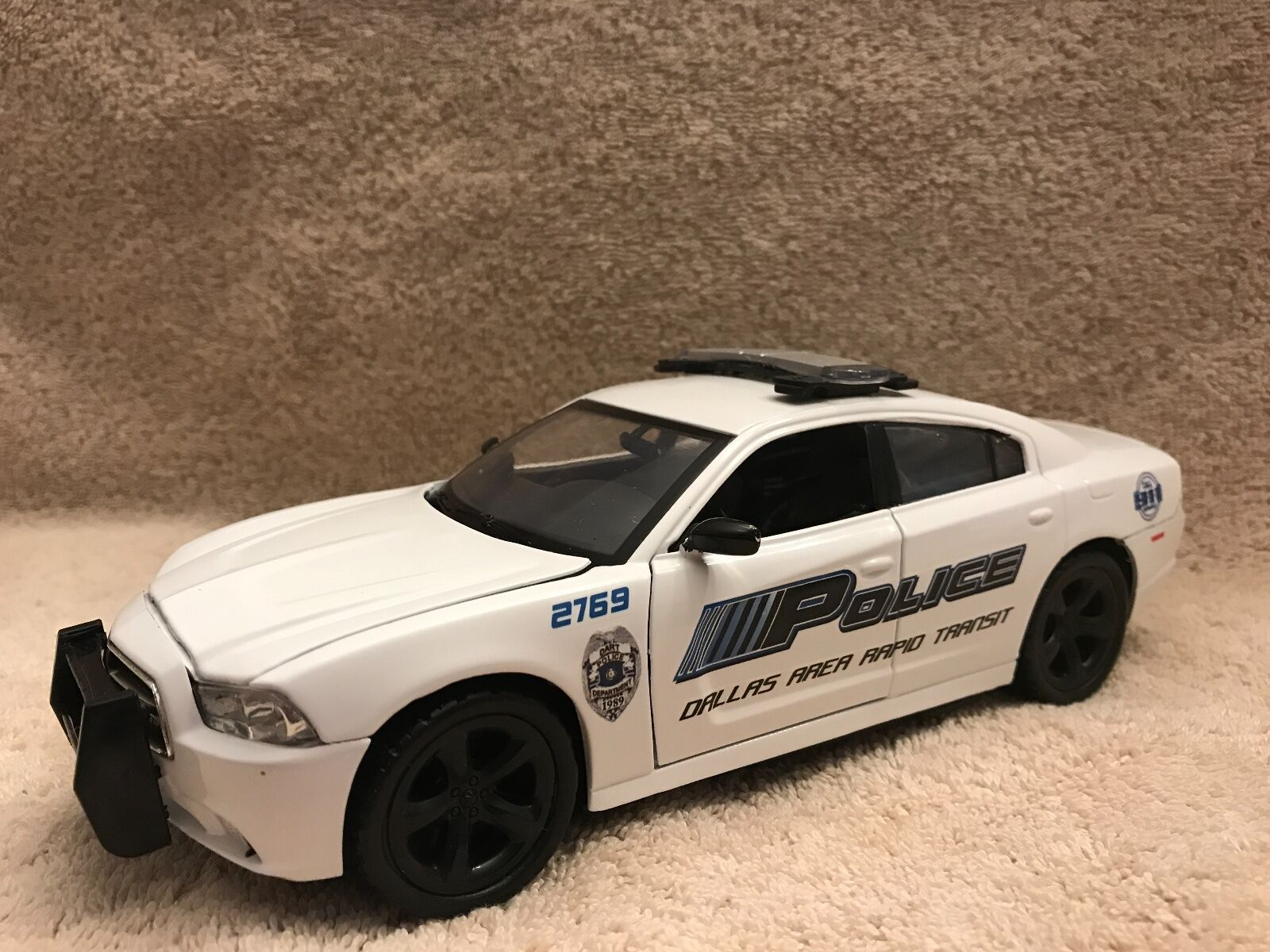 1/24 SCALE DALLAS RAPID TRANSIT PD DG CHARGER UT WITH WORKING LIGHTS AND SIREN