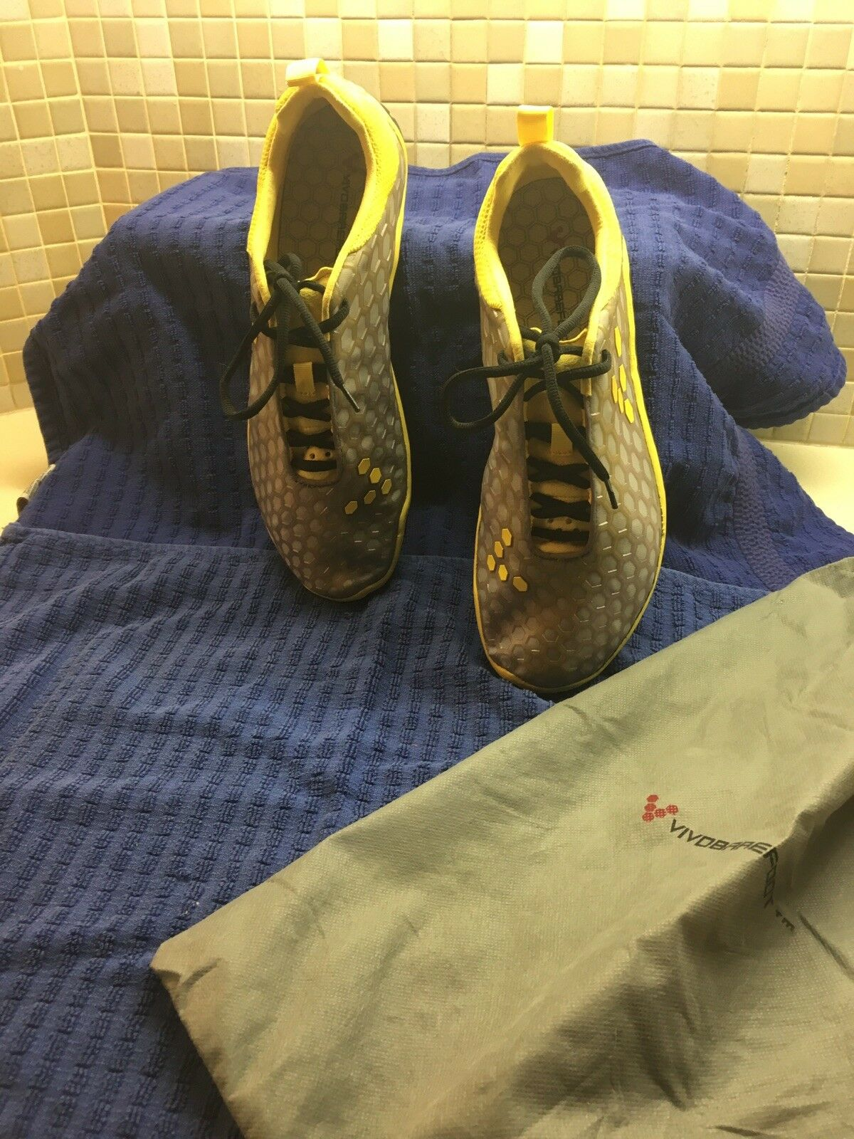 New VitobareFoot Mens Terra Pang Exercise Running/Trail Shoes. m. Shoe bags