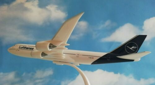 Herpa Wings Snap Fit 611930 Lufthansa b747-8i NEW 2018 colors 1:250 lunghezza 31cm