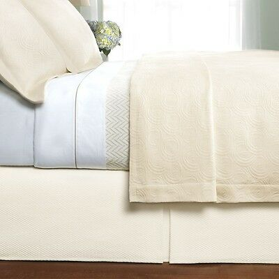 NEW PEACOCK ALLEY COTTAGE ROSE 1 PC COVERLET OR 3 PC SET KING QUEEN IVORY GOLD