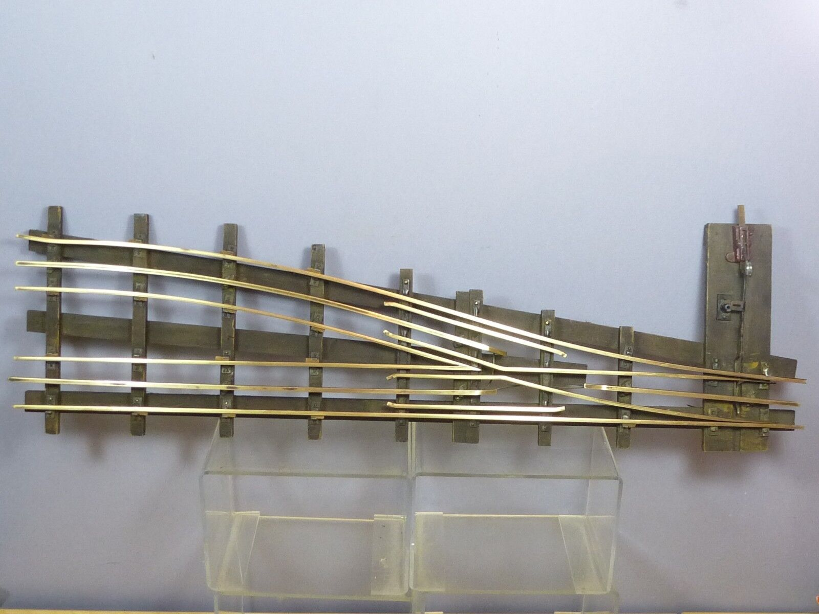 VINTAGE BASSETT LOWKEMODEL No. 1 X  3 RAIL BRASS /WOOD SLEEPER  R/H POINT  22