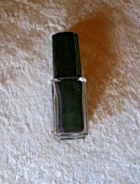 Midnight Plum Nailwear Pro + Nail Polish Enamel Avon travel or art mini polish