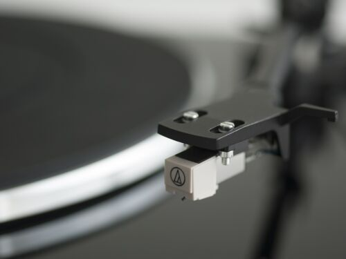 Music Hall MMF-1.3 Turntable//Cartridge//Dust cover//Phono Preamp AUTHORIZED-DEALER