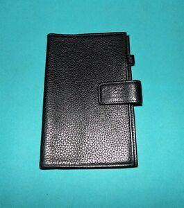 LONGCHAMP étui passeport documents en cuir noir unisexe