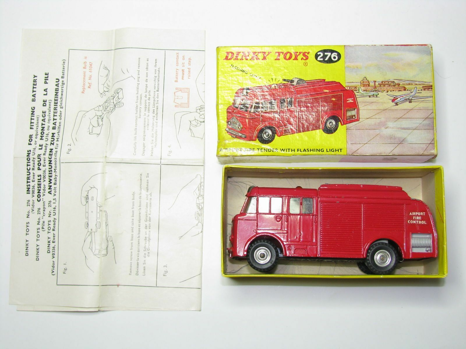 DINKY TOYS N°276 VINTAGE Airport Fire Tender  NMINT CONDITION + ORIGINAL BOX