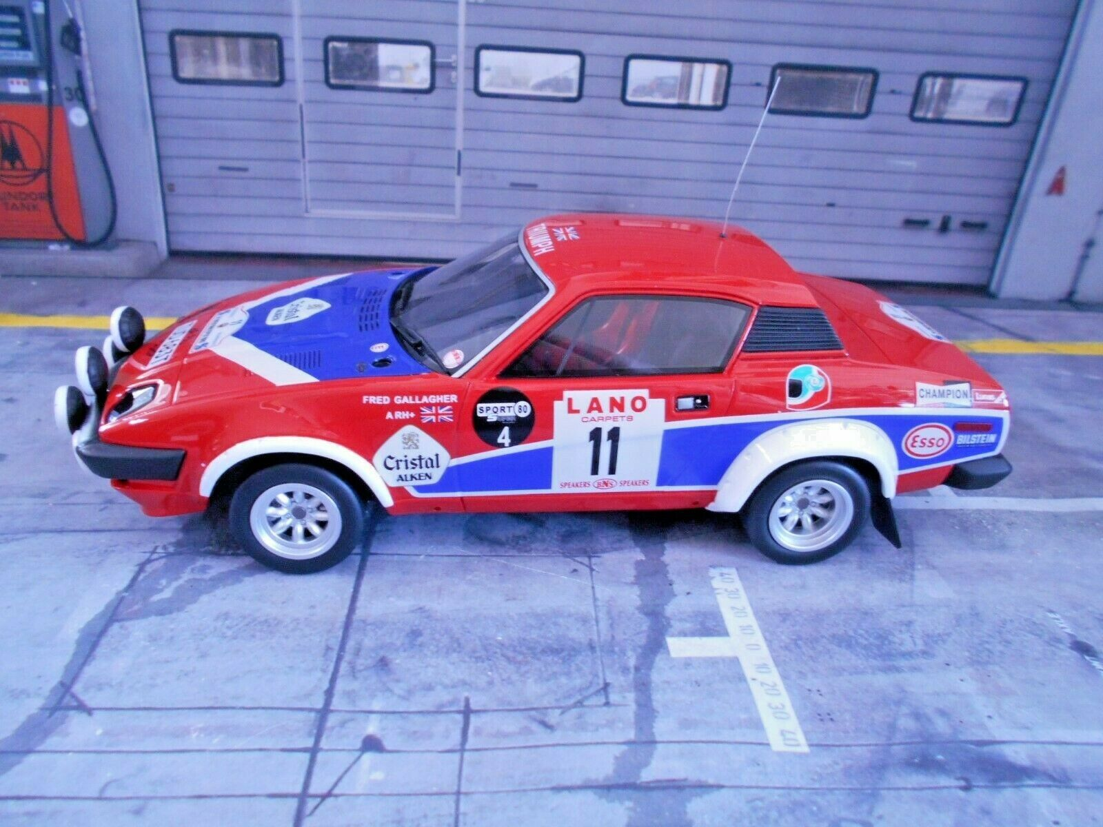 TRIUMPH tr7 v8 RALLY mis. 4 Ypres 1980  11 Pond WINNER resin otto SP 1 18