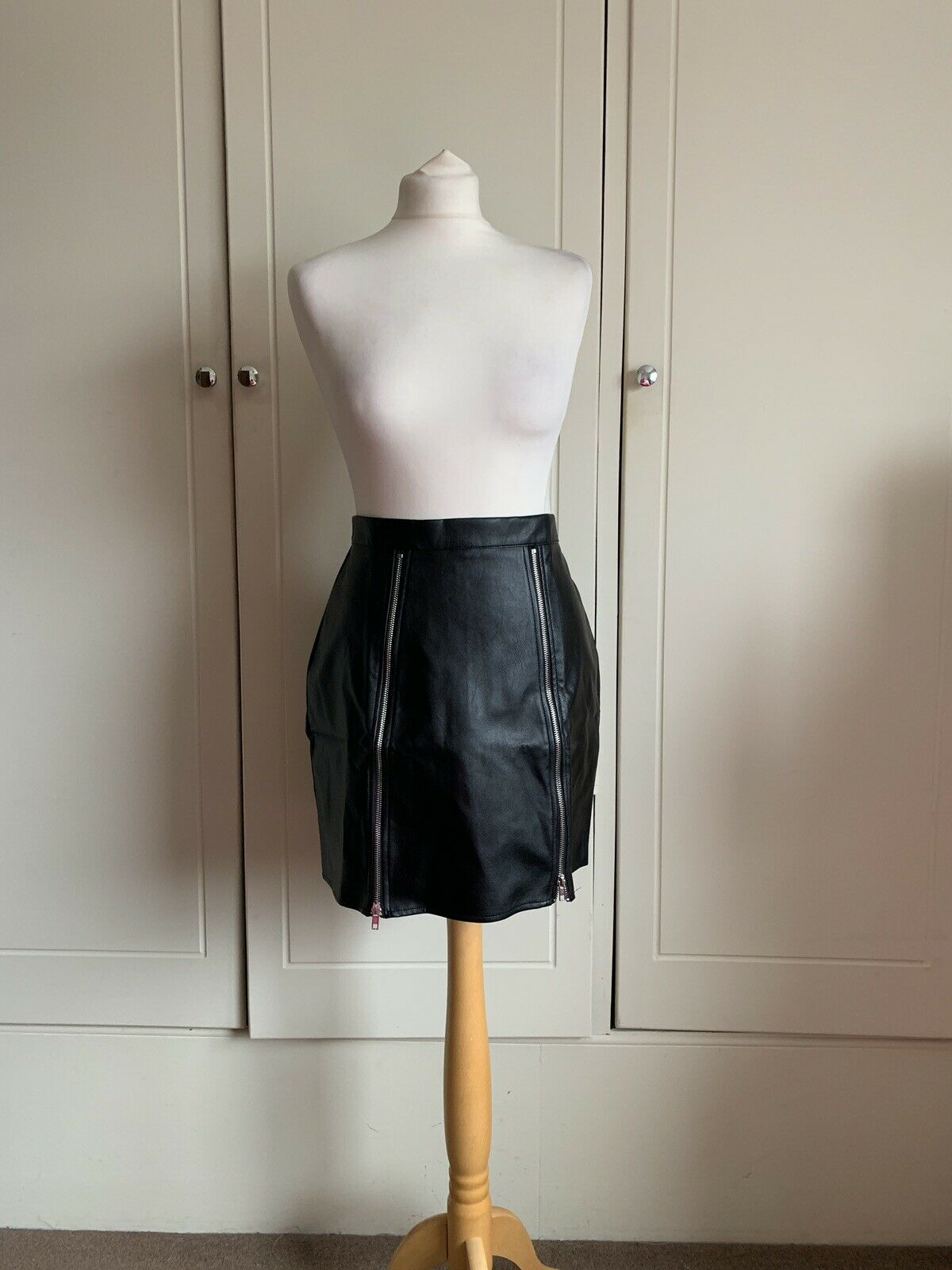 G654 in the style x Charlotte Crosby PU leather skirt, new with tags, size 12