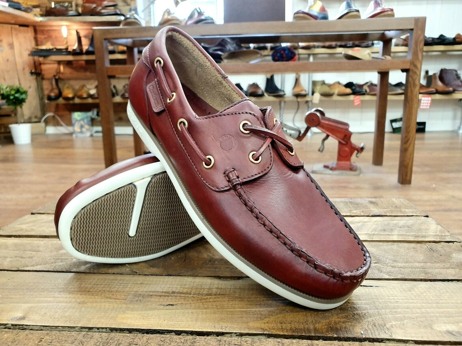 CHATHAM    Newton - Made in Britain    Mens rot braun Deck Boat schuhe    NEW