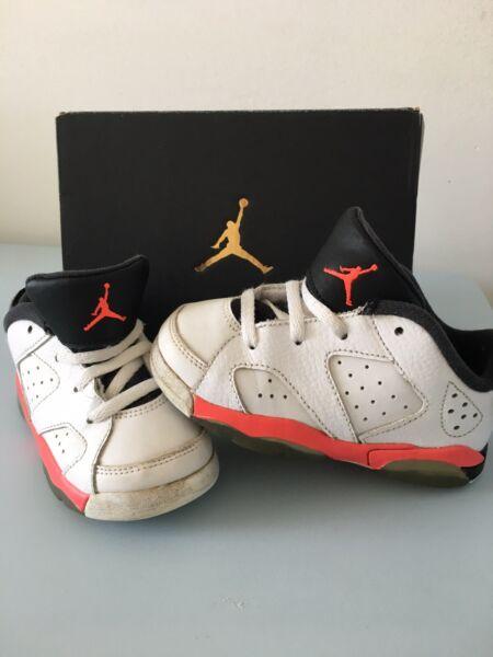 100% Vero Jordan 6 Retro Low Bt Bambini Piu 'piccoli Uk 6.5 Eur 23.5 Us 7c