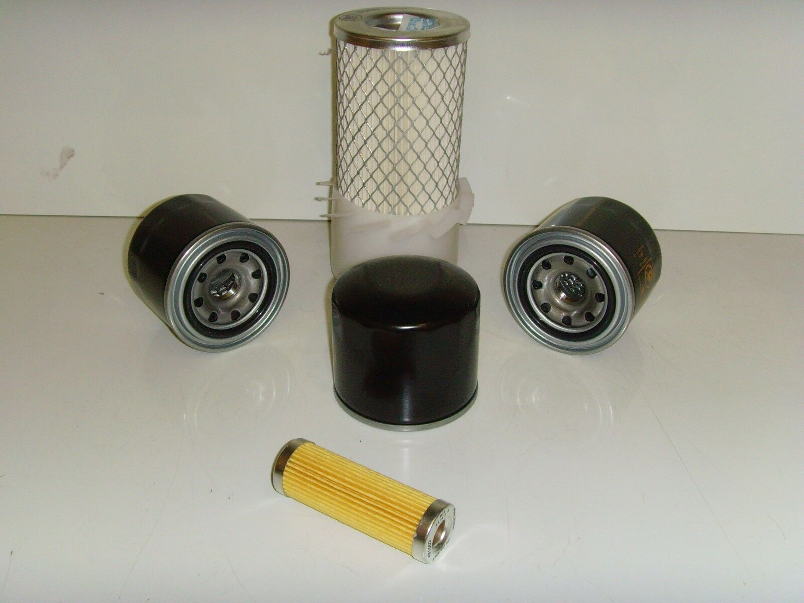 kubota b7001 filter service kit air oil fuel filters. Black Bedroom Furniture Sets. Home Design Ideas