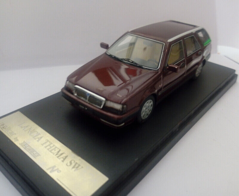 Replivoiture rep007a lance thema station  wagon maroon  expédition rapide