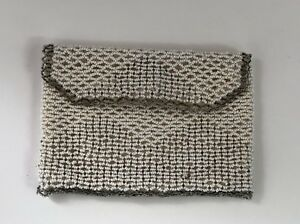 Early-Vintage-Czechosolvakia-White-Beaded-Small-Bag-Change-Purse-Belt-Loop