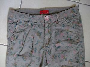 Esprit-Hose-Shorts-kurz-khaki-gruen-oliv-Bluemchen-32-34-36-XS-S-NEU