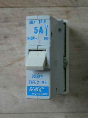 1 GE Mini-Trip Type 2 30A plug-in MCB plus base; replaces Wylex rewireable fuse