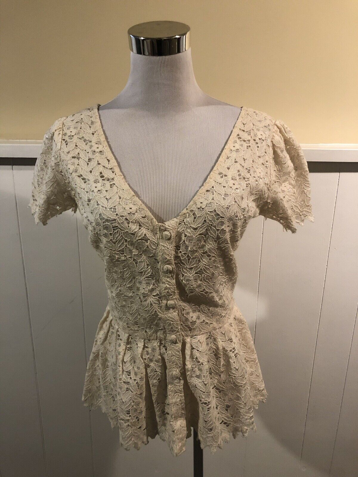 Anthropologie Two Of Us Eyelet Lace Peplum Top Size 6