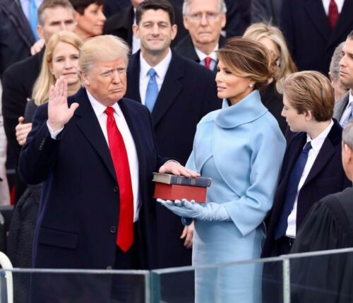 8x10 FREE SHIPPING President Donald Trump Swearing In Ceremony With Melania