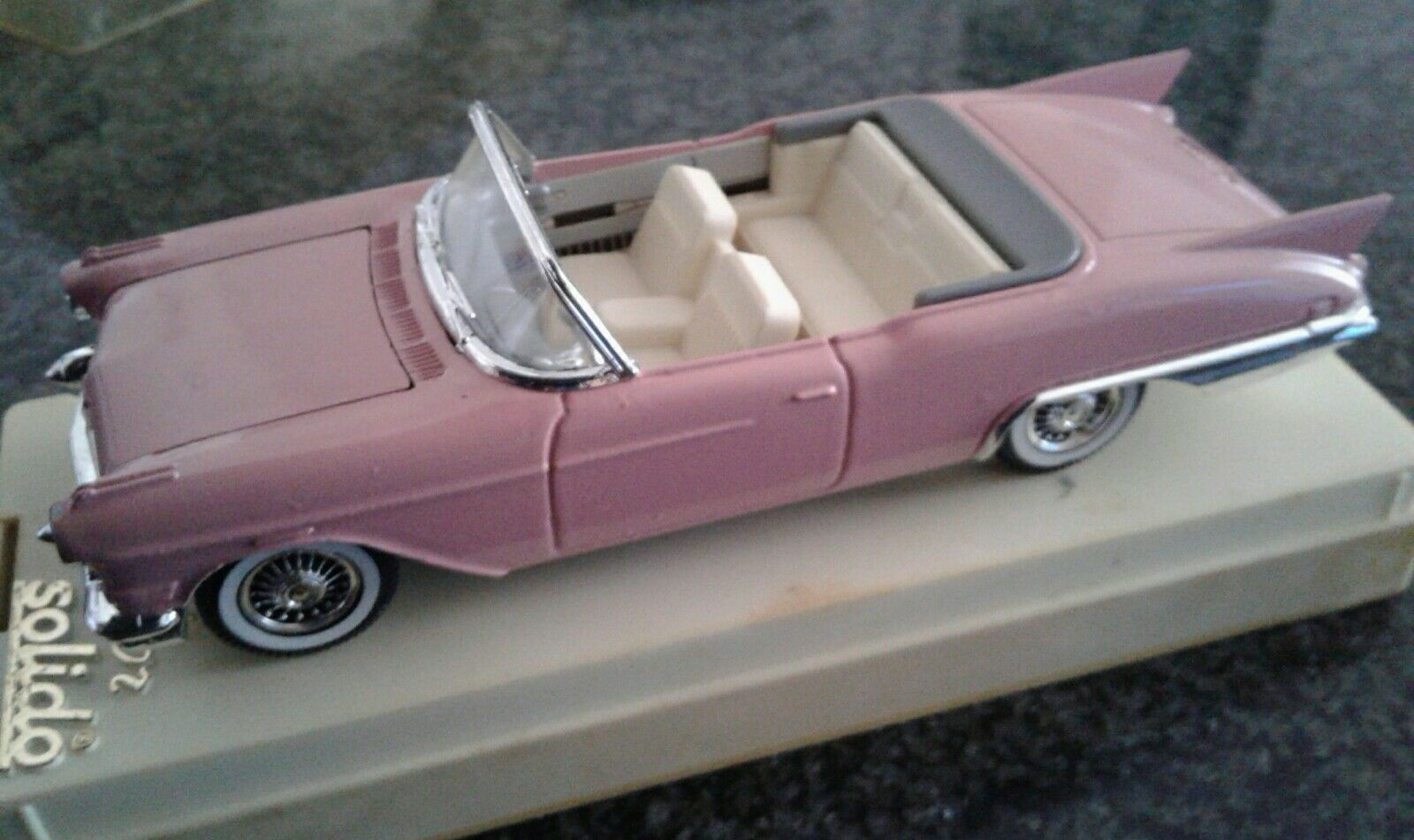 CADILLAC BIARRITZ BIARRITZ BIARRITZ cabrio, 4500, SOLIDO, 1 43 MINT IN BOX 32506e