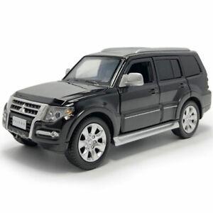 1-32-Mitsubishi-Pajero-SUV-Die-Cast-Modellauto-Spielzeug-Model-Sammlung-Schwarz