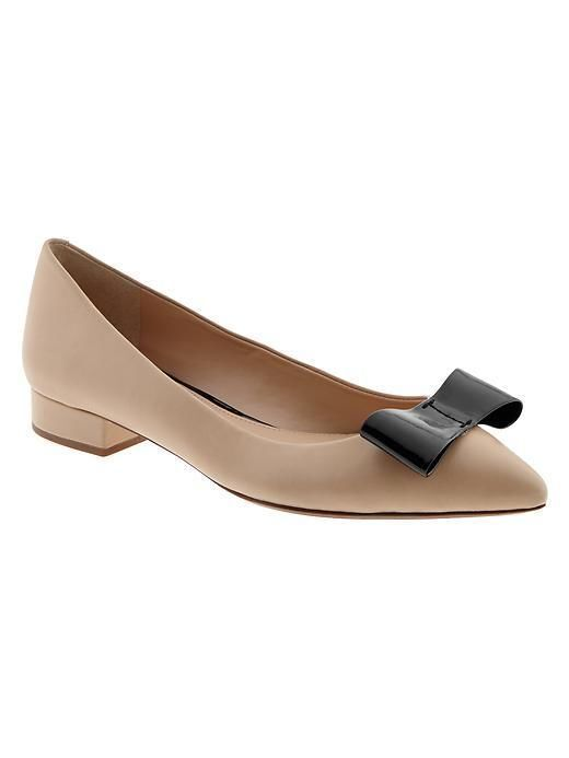 New with Box Banana Republic Carter Flat Size 6