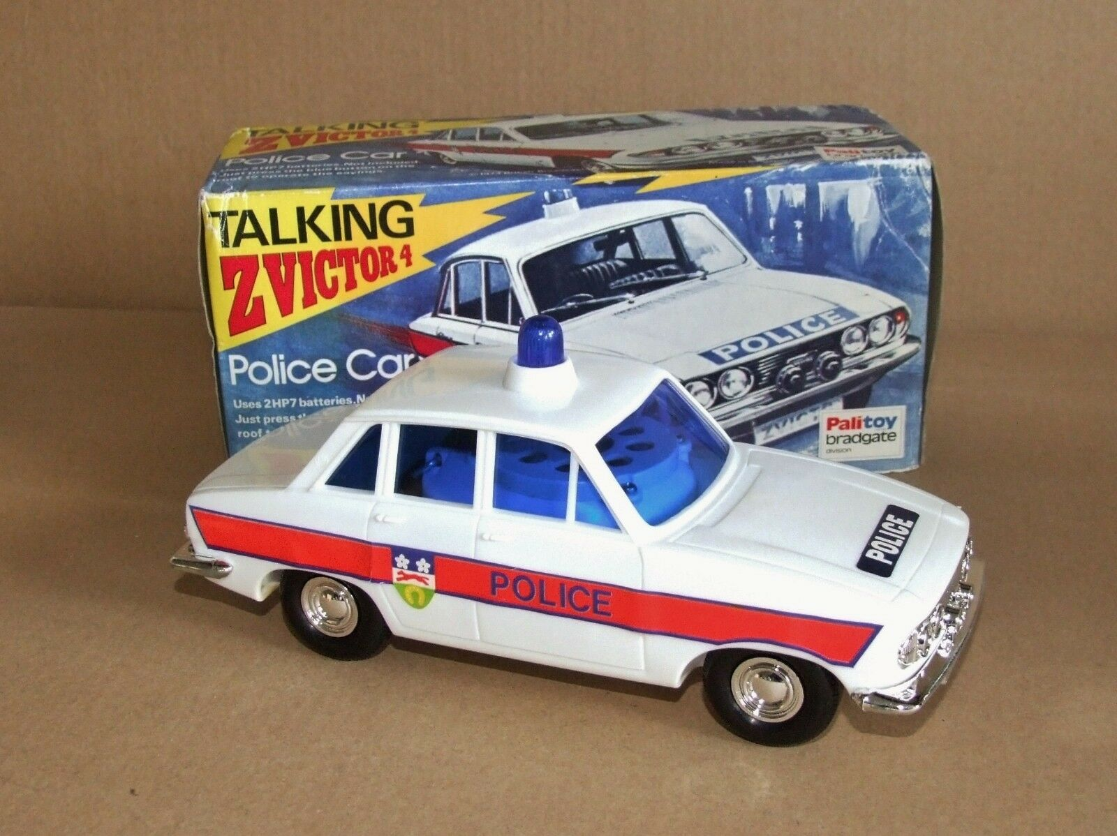 Palitoy Triumph 2.5 Police Car Talking Z Victor 4
