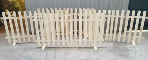 free standing picket fence barrier 6FT X 3FT