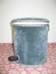 de nouveaux sols pour la salle de bains. glace salle de bain avec ... - Moquette Salle De Bain