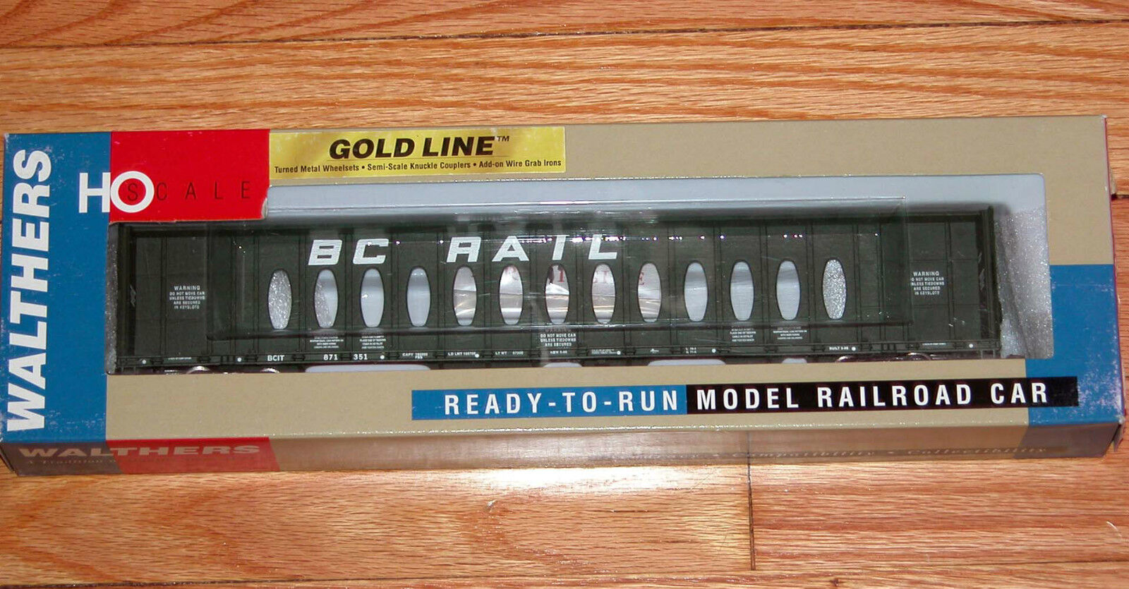 WALTHERS 932-4130 gold LINE 72' CENTERBEAM FLAT CAR BC RAIL BCIT 871351 OPERA