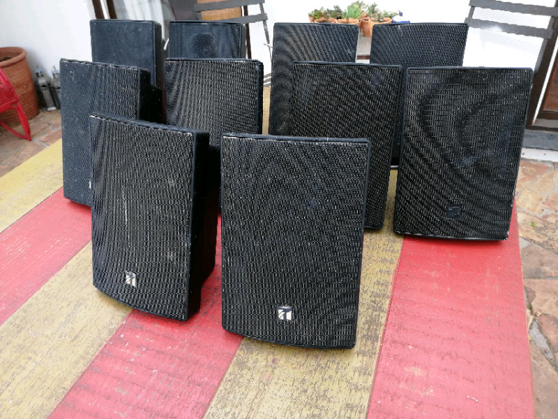 11 x TAO speakers for R8000