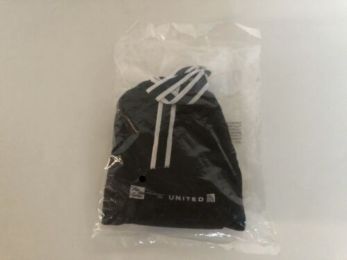 "United Airlines /""SAKS Fifth Avenue/"" amenitykit Black!!!"