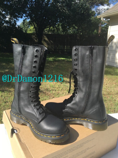 NIB Dr. Martens Women's 1B99 14 Eye Boot Virginia Soft Leather Black $170