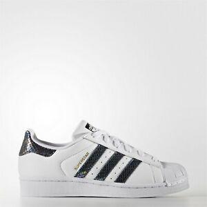 Charitable Unisexe Adidas Superstar Originals Blanc Métallisé Serpent Noir Junio S76352-afficher Le Titre D'origine
