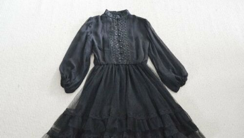 NWOT Authentic Alice Olivia Black lace and tulle Suze Puff Dress