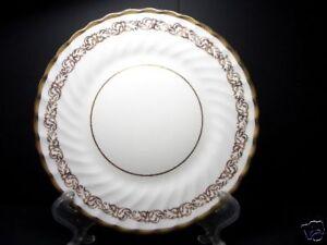 BEAUTIFUL-GOLD-FOLEY-DINNER-PLATE-PATN-FOL29-3146-7