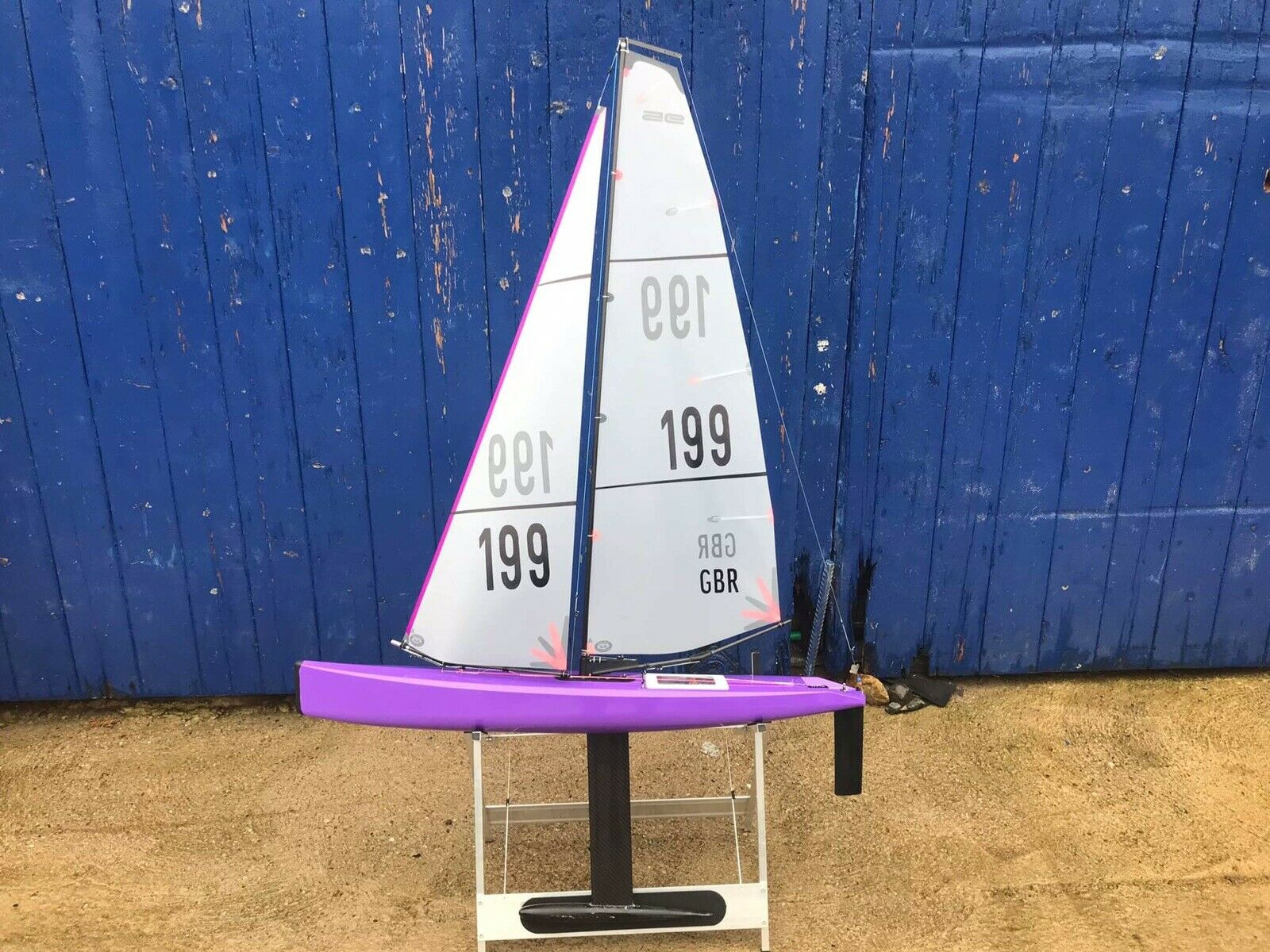 Dragon Flite 95 boat stand