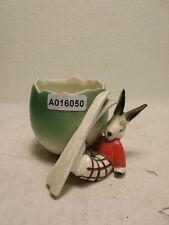 +# A016050 Goebel Archiv Muster Arbeitsmuster Vase Hase mit Ski sitzt auf Boden