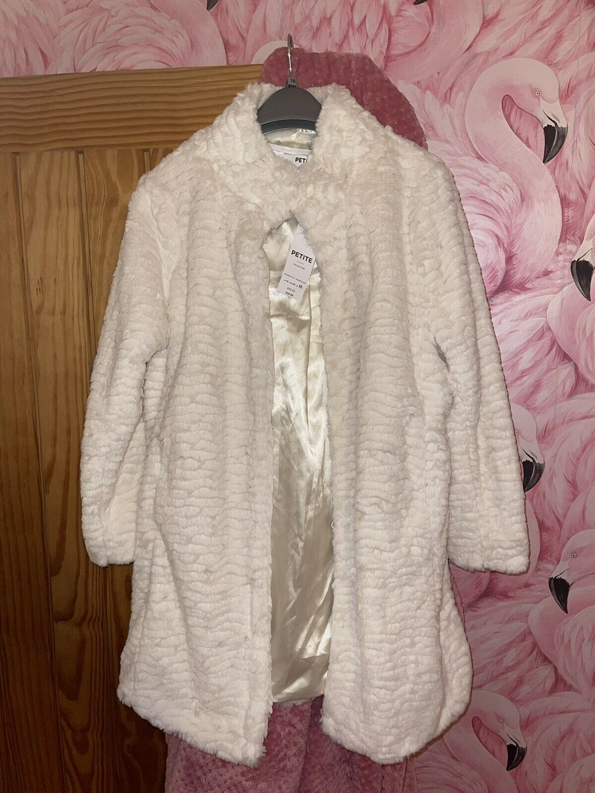 Dorothy Perkins Petite Faux Fur Cream Winter Coat Size 16, SOLD OUT! Rrp