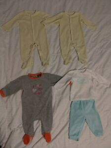 Lot de 4 pyjamas en velours