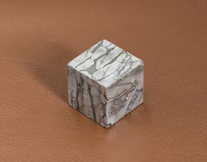 Meteorite-Seymchan-Iron-Meteorite-Cube-Widmanstatten-Pattern-Collection-Unit-15g