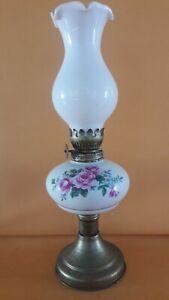 Vintage kerosene oil lamp Lampada ad olio
