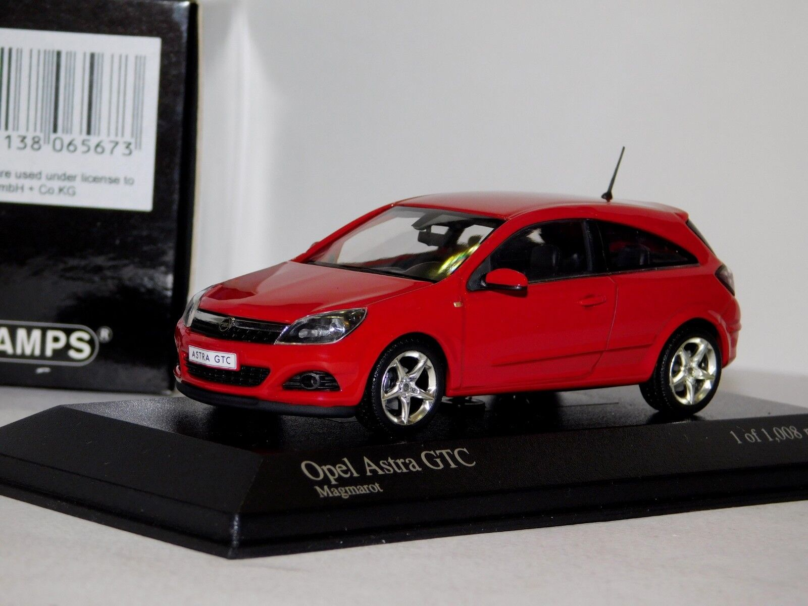 OPEL ASTRA GTC 2005 MAGMAred   RED MINICHAMPS 400043021 1 43