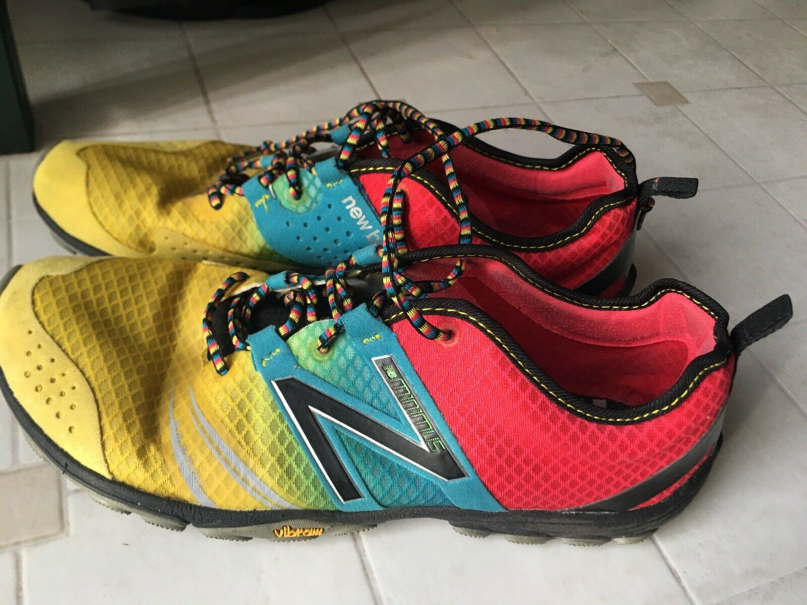 New Balance Minimus MT20M2 Men's Trail Running Red bluee Yellow Size 9