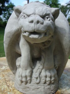 WINGS DOWN, CHAINED WATCH DOG JR. GARGOYLE GRAY CONCRETE/CEMENT ...