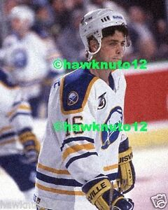 be96031cc PAT LaFONTAINE BUFFALO SABRES 8 X 10 GLOSSY PHOTO NHL HOCKEY ...