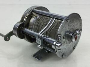 VINTAGE PLFUEGER SUMMIT #1993L CASTING REEL with ORIGINAL POUCH