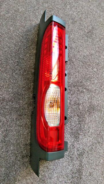 VAUXHALL VIVARO 2007-2014 REAR LIGHT LAMP LEFT SIDE LH TAKES 4 LUG BULB HOLDER