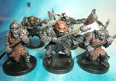 Dungeons & Dragons Miniatures Lot  Howling Orc Champion !!  s104