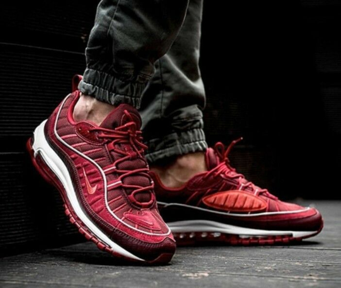 Nike Air max 98 SE Size 9.5 UK Gym Red & White Genuine Authentic Mens Trainers