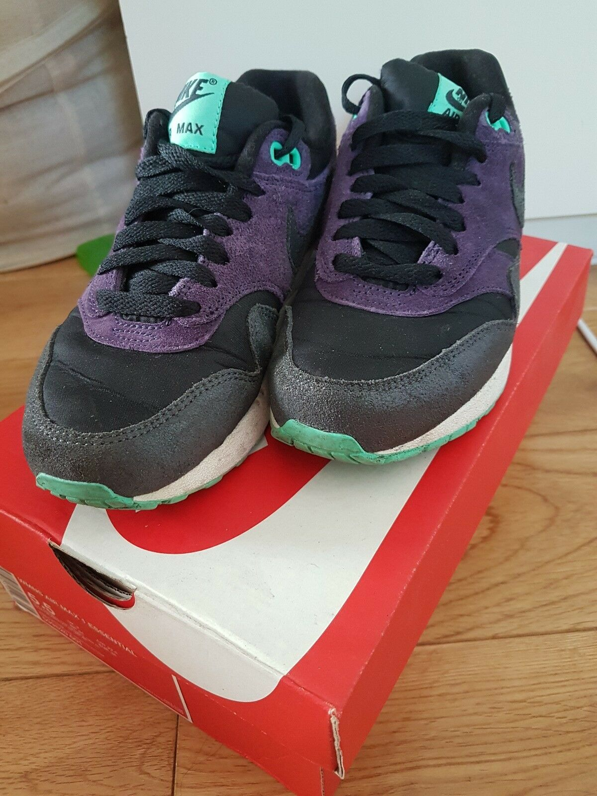 NIKE AIR MAX 1 ESSENTIAL, BLACK PURPLE AND GREEN, UK SIZE 3
